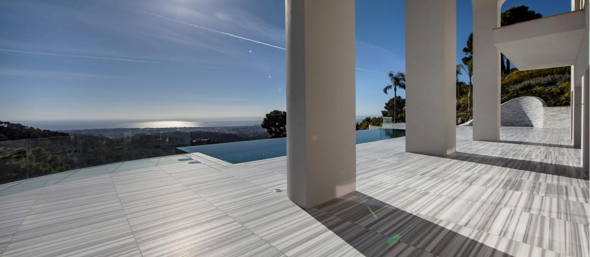 10 Bedroom Villa For Sale - La Zagaleta, Benahavis