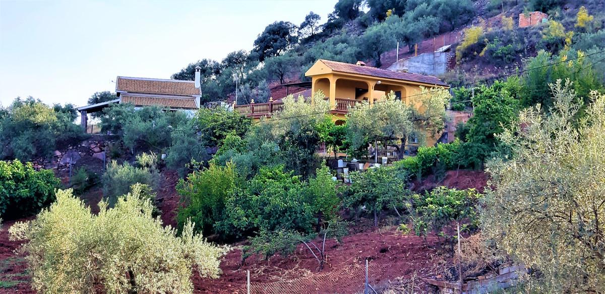 6 Dormitorios  en Almogía