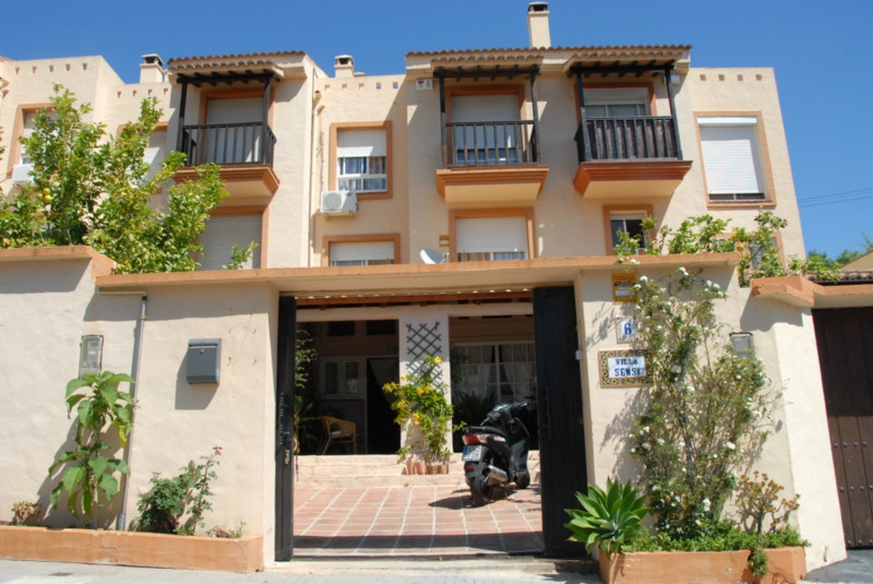 Townhouse in Benalmadena Costa R2485115