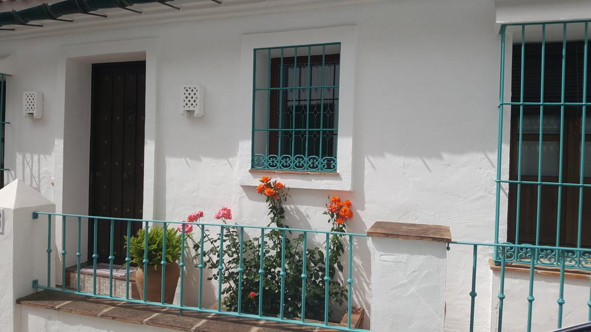 Villa in Ojen