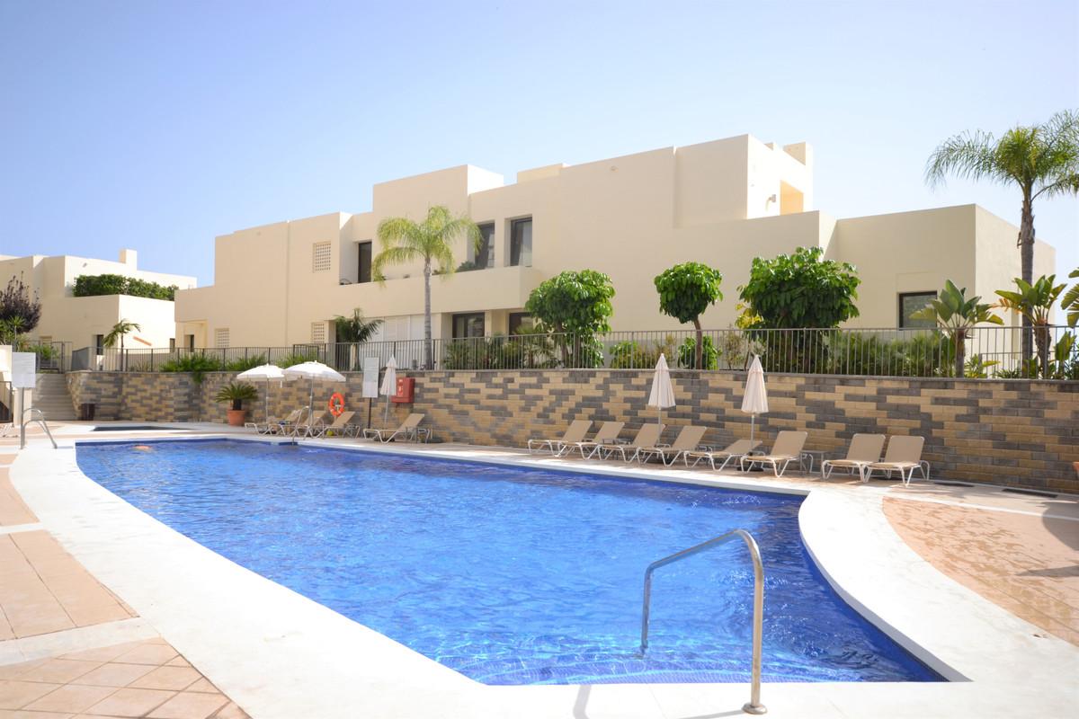 Ground Floor Apartment in Altos de los Monteros R3460102