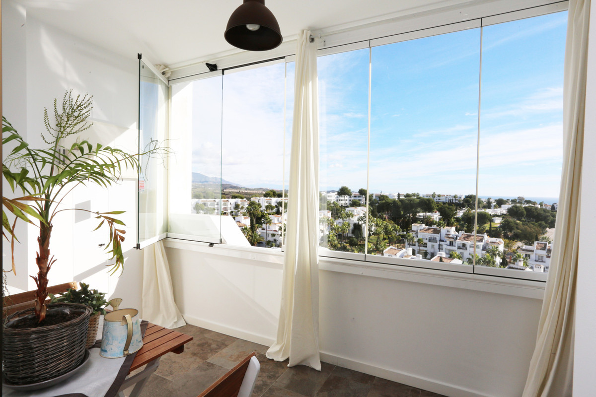 Grab your chance for a ready to move-into apartment before the summer! This elevated ground floor is,Spain
