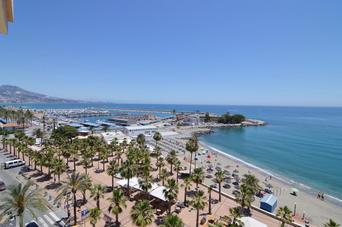 Top Floor Apartment, Fuengirola, Costa del Sol. 6 Bedrooms, 3 Bathrooms, Built 290 m², Terrace 15 m²,Spain
