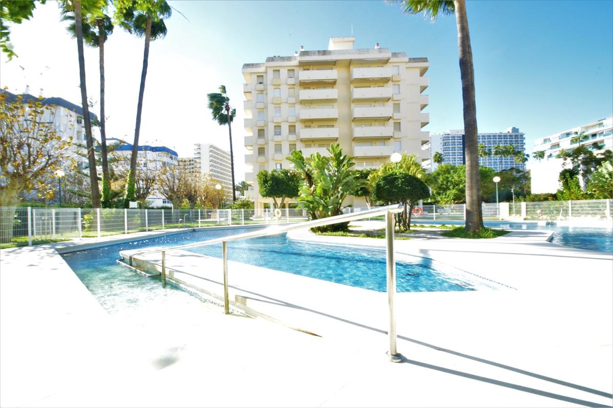 Middle Floor Apartment, Benalmadena Costa, Costa del Sol. 3 Bedrooms, 2 Bathrooms, Built 78 m², Terr,Spain