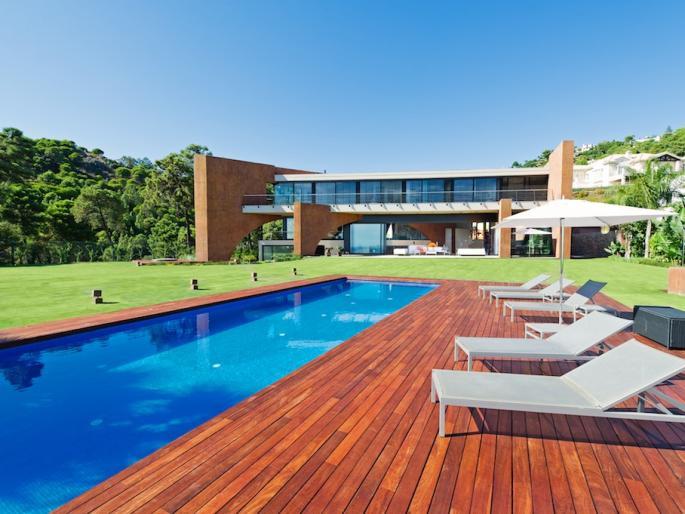 Detached Villa for sale in Benahavís R1985991