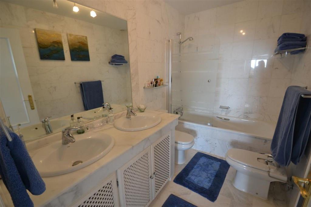 Apartamento con 3 Dormitorios en Venta La Mairena