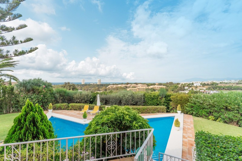 Detached Villa for sale in Elviria R2359232