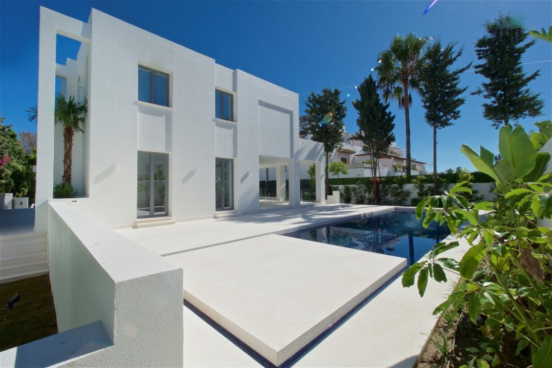 Villa for sale in San Pedro de Alcantara - San Pedro de Alcantara Villa - TMRO-R3058879