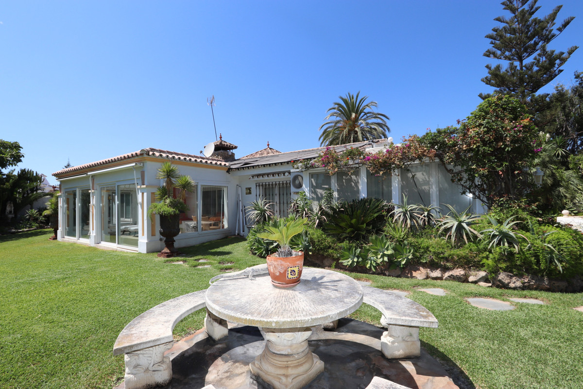 House in Atalaya R3500284 1