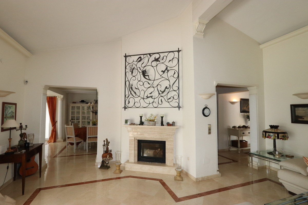 House in Atalaya R3500284 12