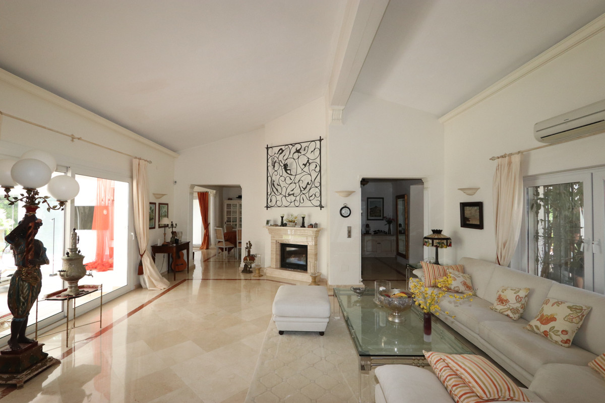 House in Atalaya R3500284 3