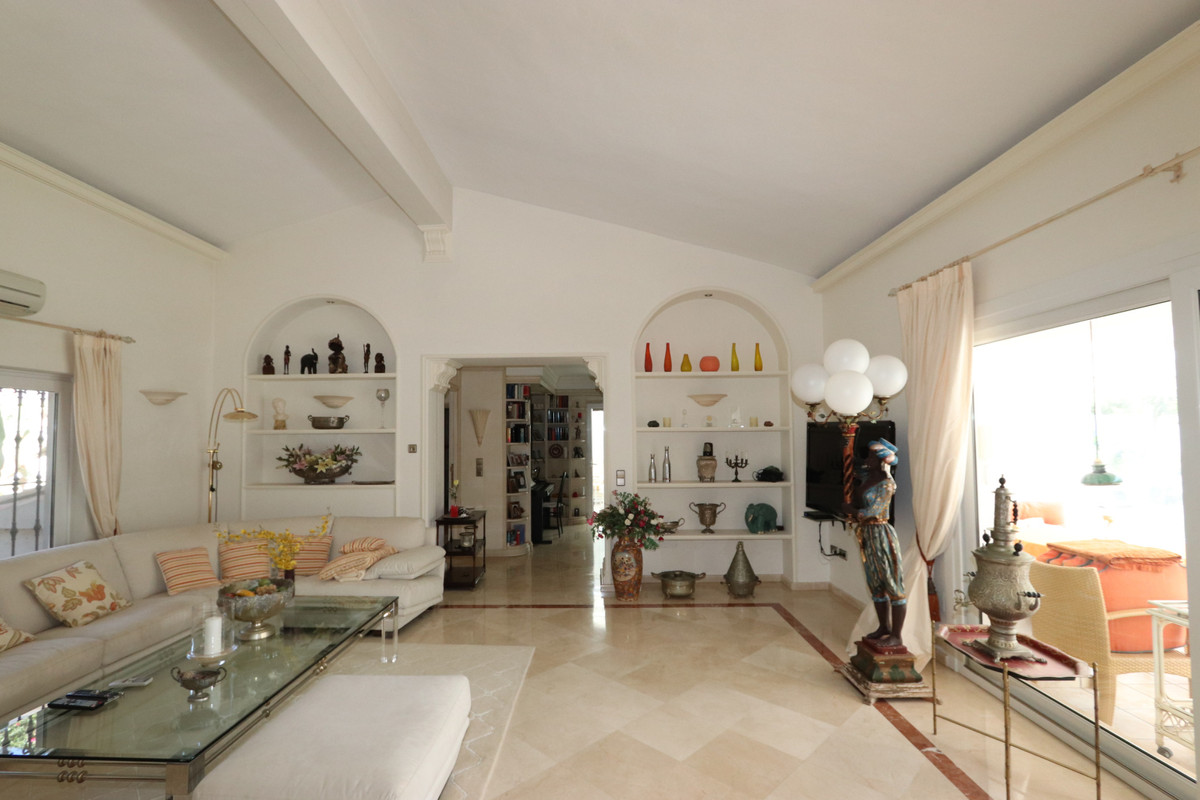 House in Atalaya R3500284 4
