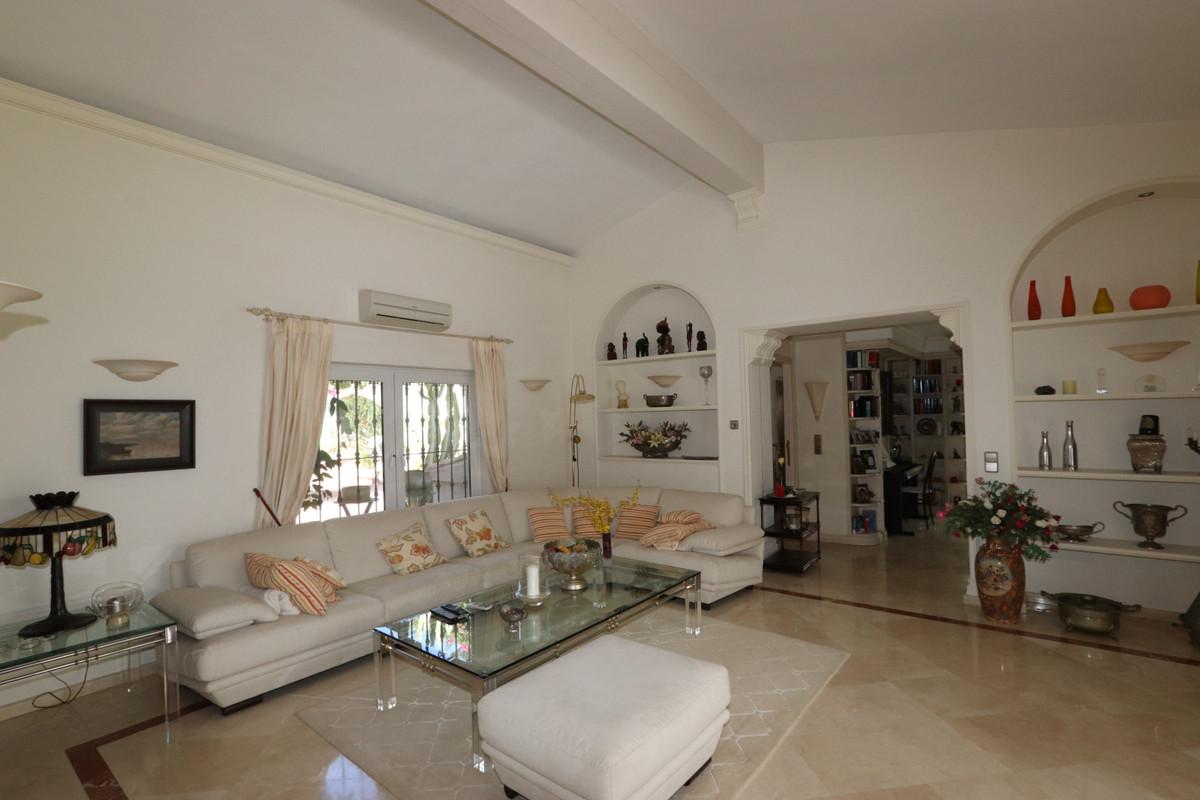 House in Atalaya R3500284 5