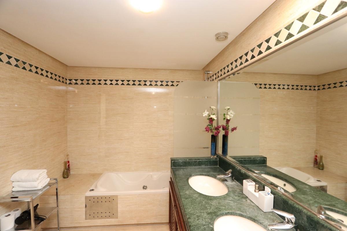 Apartment Middle Floor in La Mairena, Costa del Sol