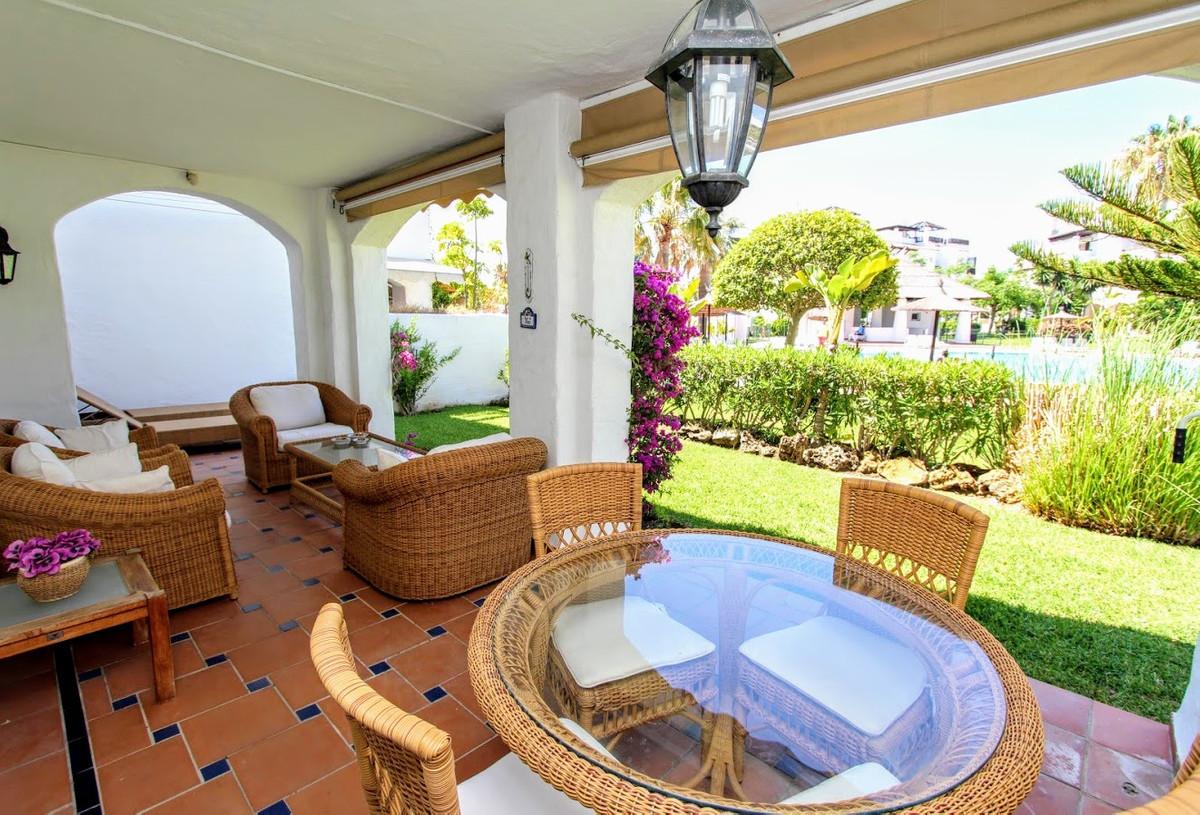 3 bedroom apartment for sale san pedro de alcantara