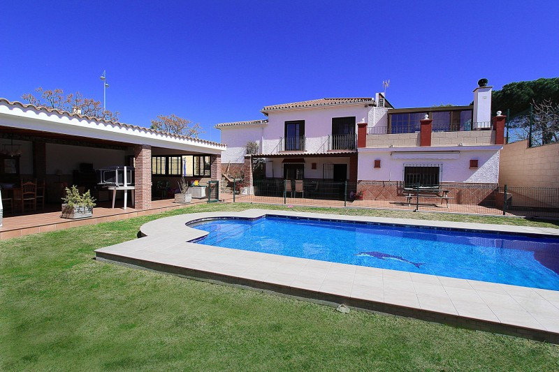 Villa for sale in San Pedro de Alcantara - San Pedro de Alcantara Villa - TMRO-R2871434