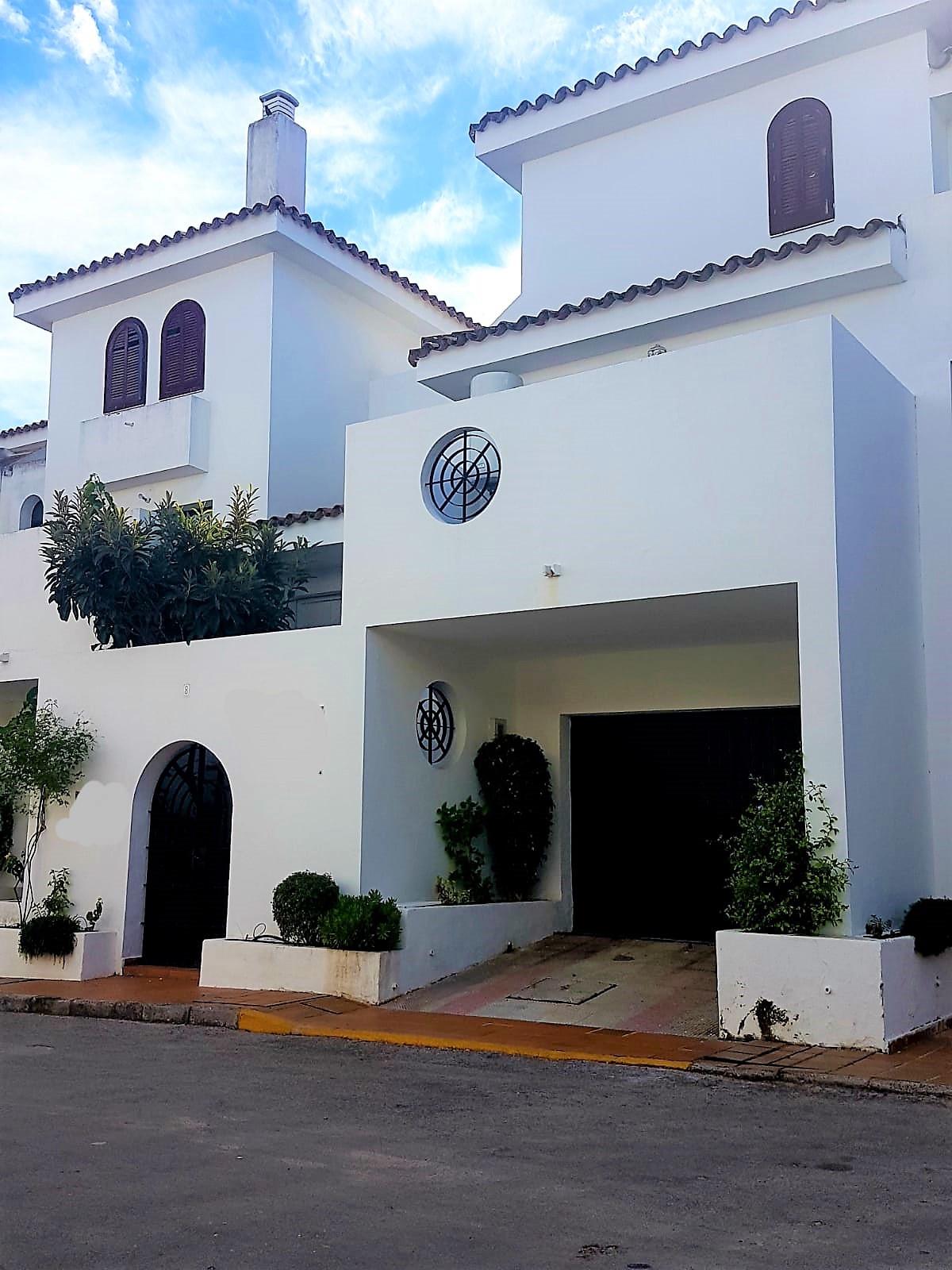 Middle Floor Apartment, Cancelada, Costa del Sol. 2 Bedrooms, 2 Bathrooms, Built 130 m², Terrace 14 ,Spain