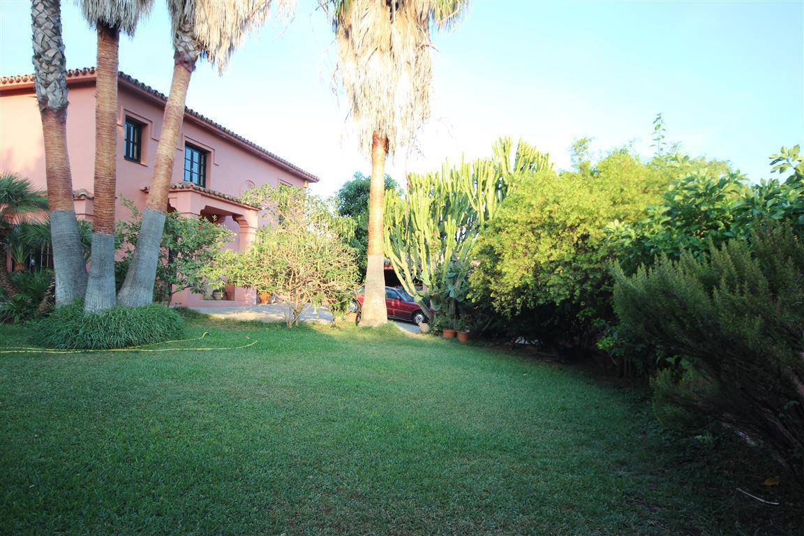 Villa 5 Dormitorios en Venta Guadalmina Alta