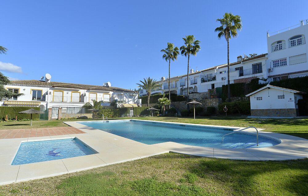 In need of renovation.Townhouse, Atalaya, Costa del Sol. 3 Bedrooms, 2.5 Bathrooms, Built 155 m², Te,Spain