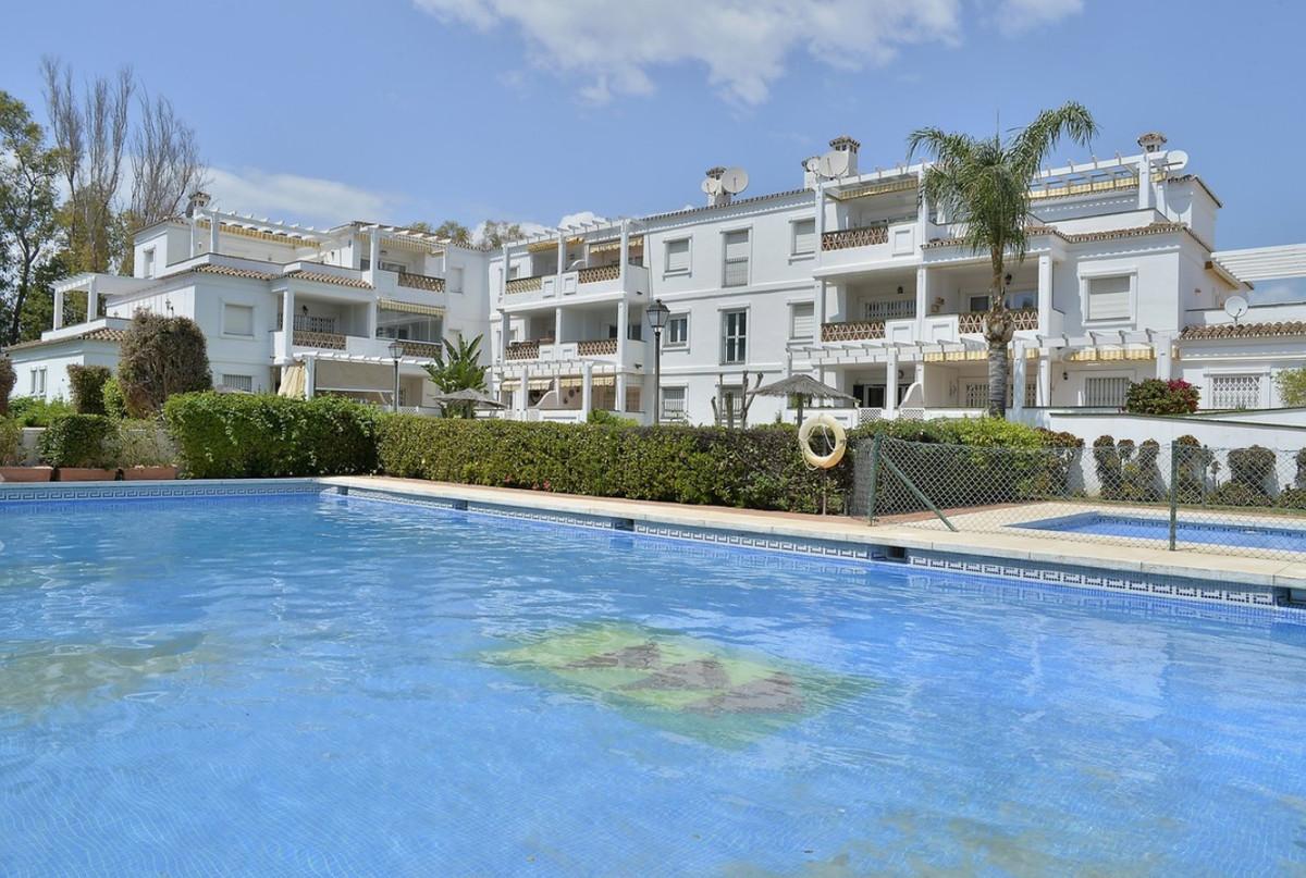 Middle Floor Apartment, Puerto Banus, Costa del Sol. 3 Bedrooms, 2 Bathrooms, Built 127 m², Terrace ,Spain