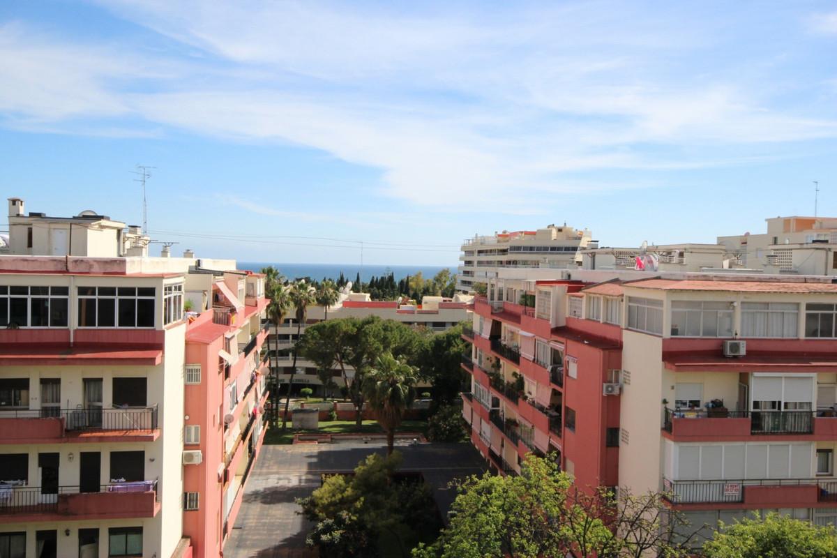 1 bedroom apartment located at Marbella Centre, Ricardo Soriano Avenue, it has 72 sqm built,bedroom,,Spain