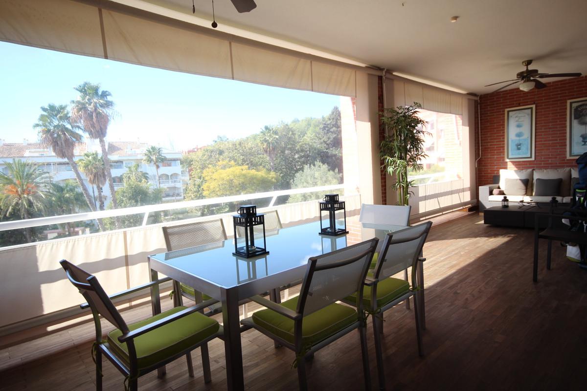 Apartamento 5 Dormitorios en Venta The Golden Mile