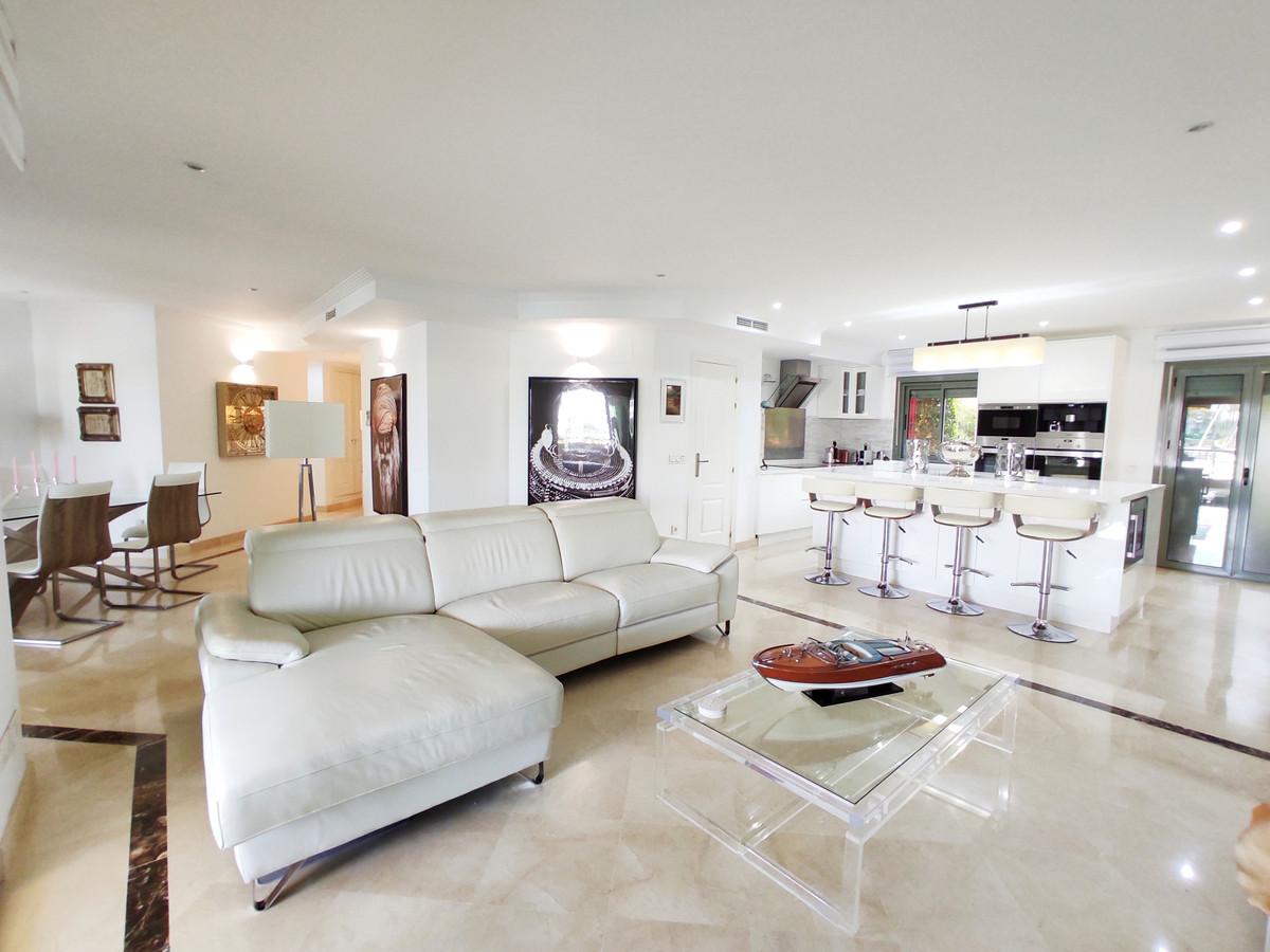 Middle Floor Apartment · Sotogrande Marina