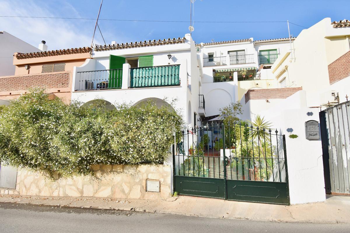 2 Bedroom Townhouse For Sale El Coto, Costa del Sol - HP3948994