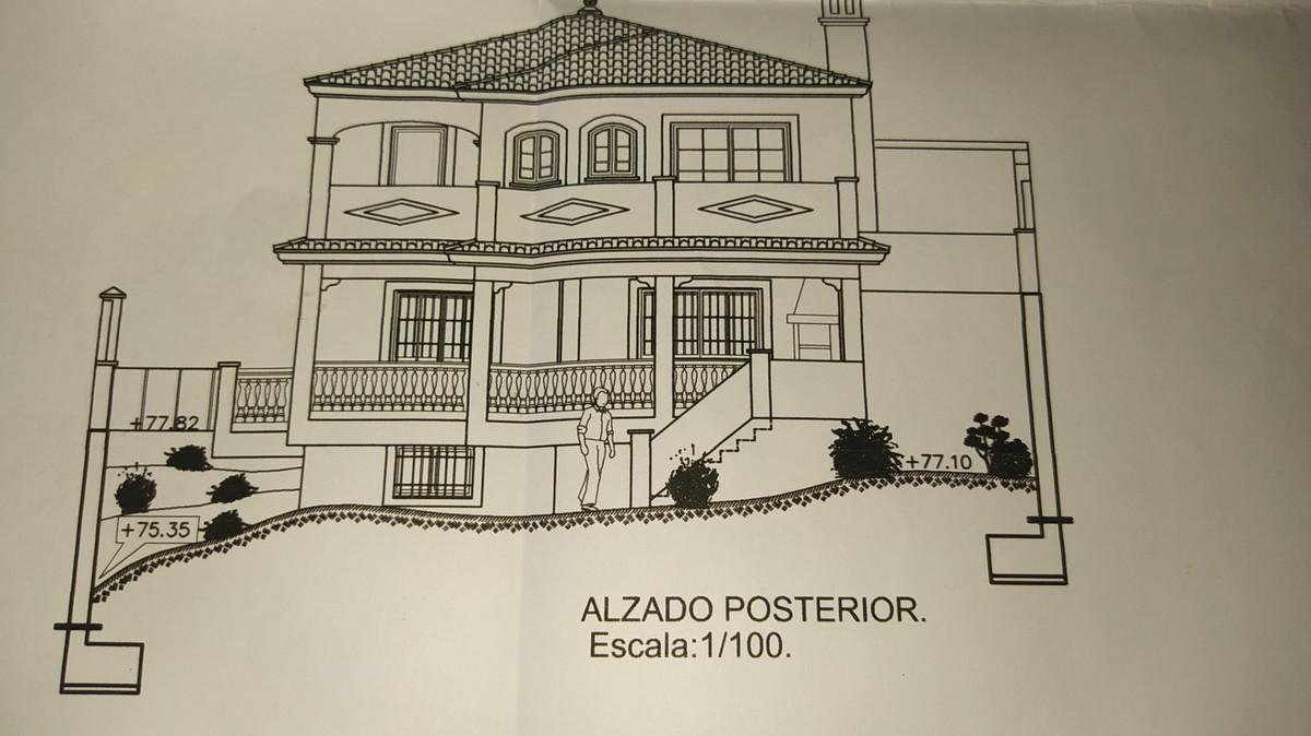 It is a 603 m2 plot in the Rincon de la Victoria area. Urban. It has a license and project for the c,Spain