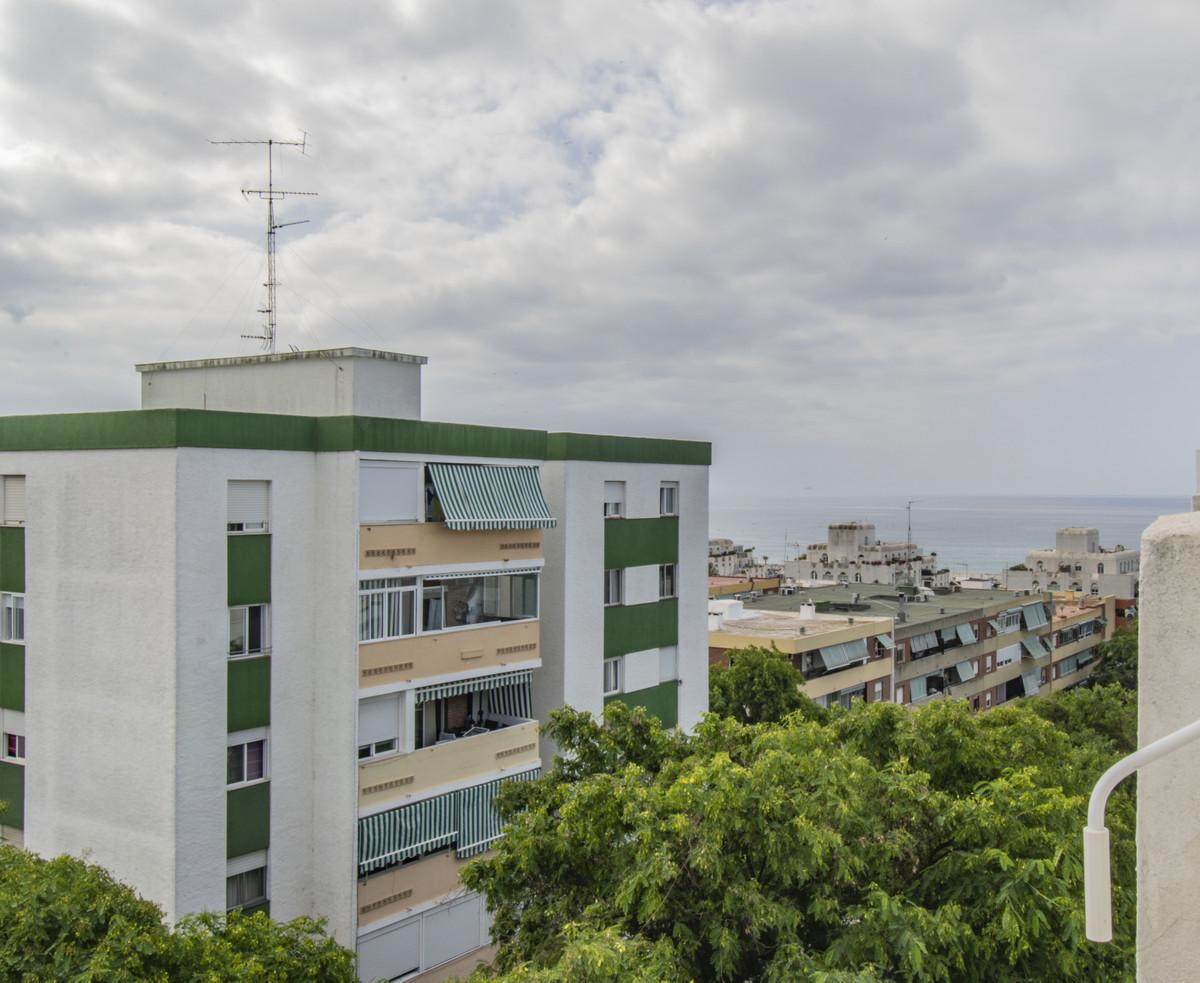 Apartment Middle Floor Marbella Málaga Costa del Sol R3674099