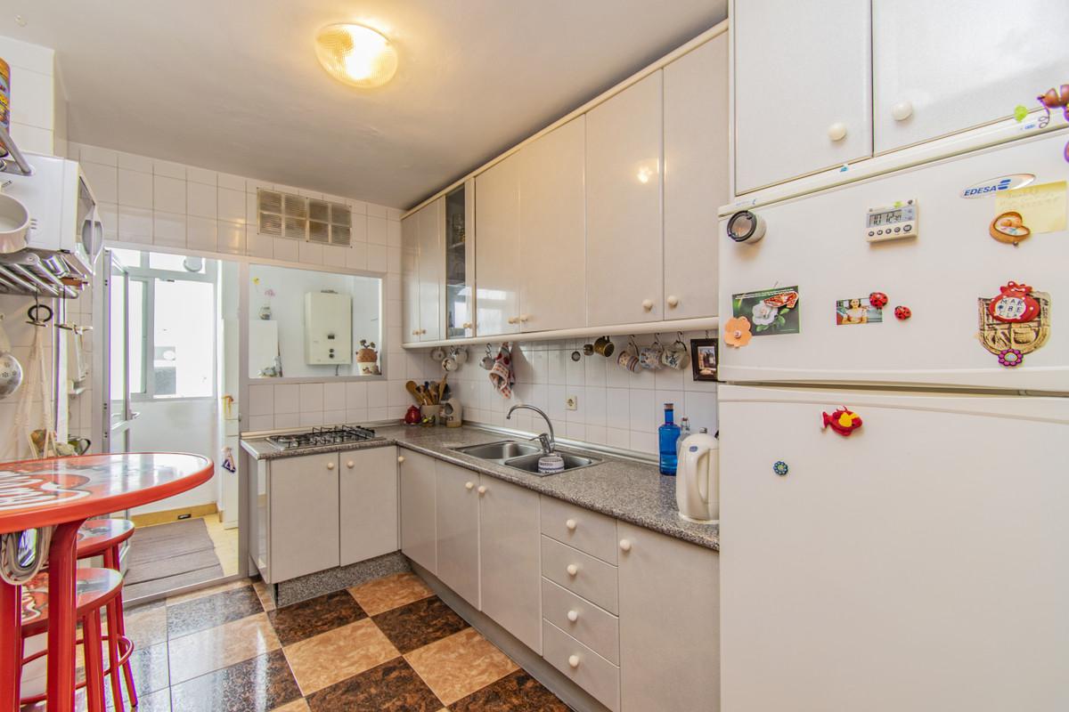 Apartment Middle Floor Marbella Málaga Costa del Sol R3674099 5