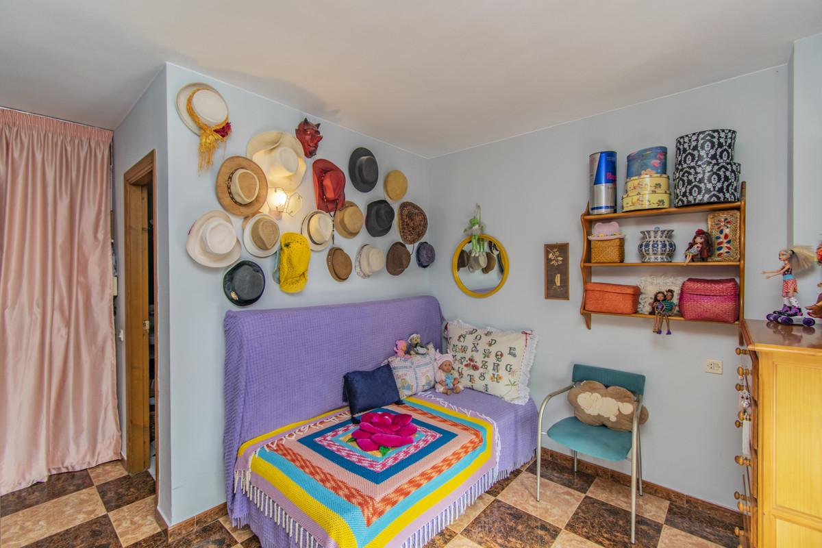Apartment Middle Floor Marbella Málaga Costa del Sol R3674099 7