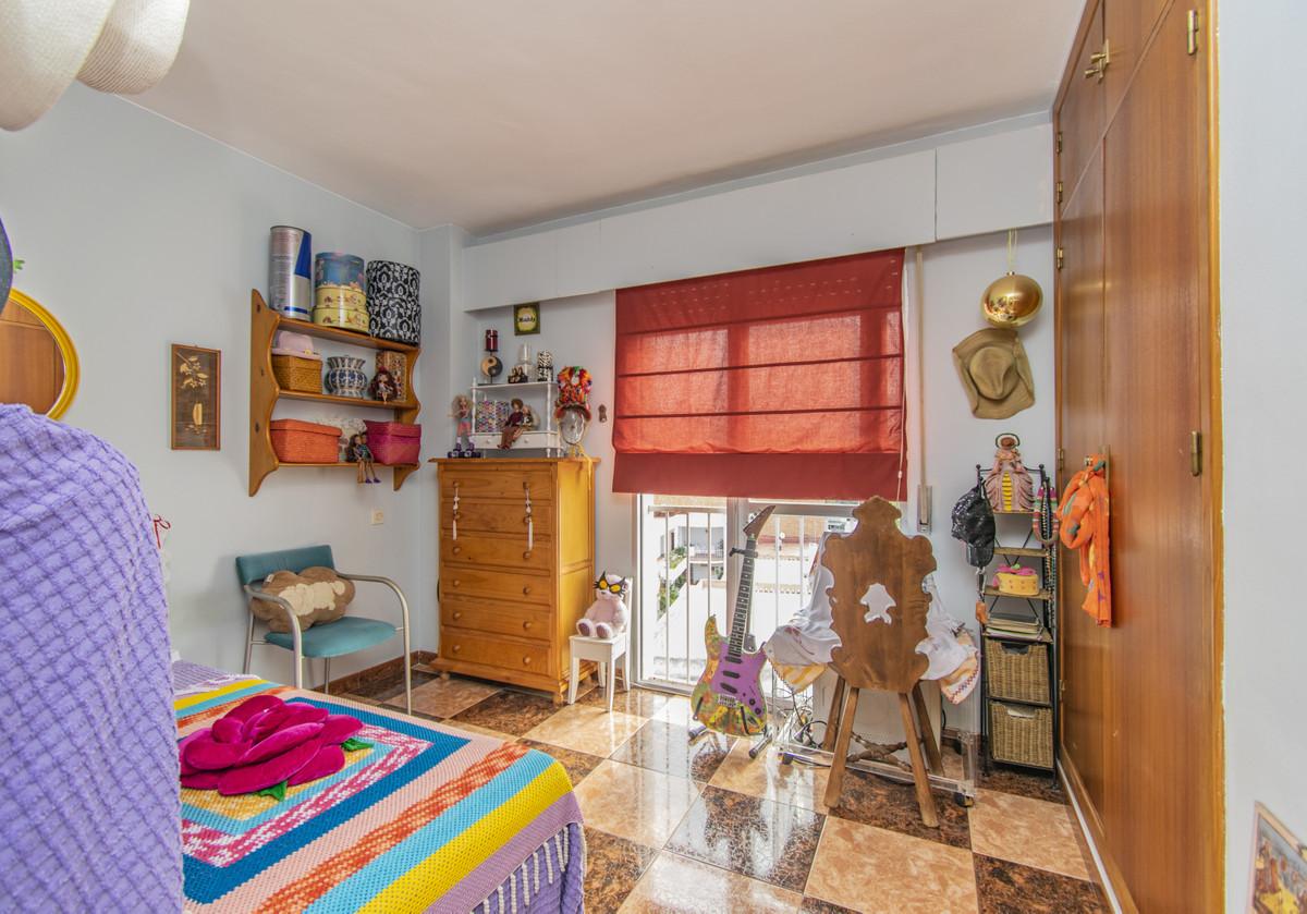 Apartment Middle Floor Marbella Málaga Costa del Sol R3674099 8