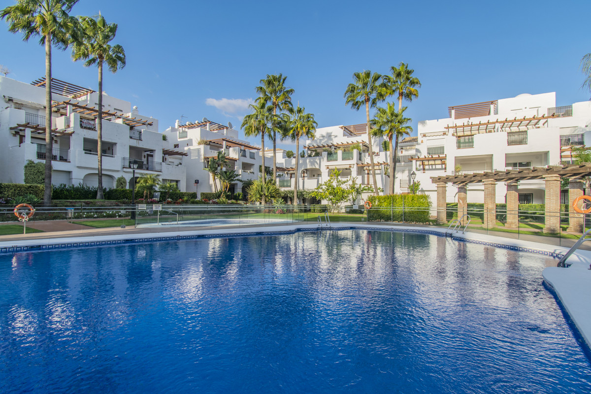 PROPERTY 300 METERS FROM THE BEACH IN THE BEST AREA OF SAN PEDRO Fantastic apartment located in the ,Spain