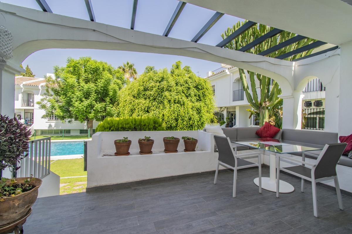 Rijhuis te koop in Nueva Andalucía R3677240