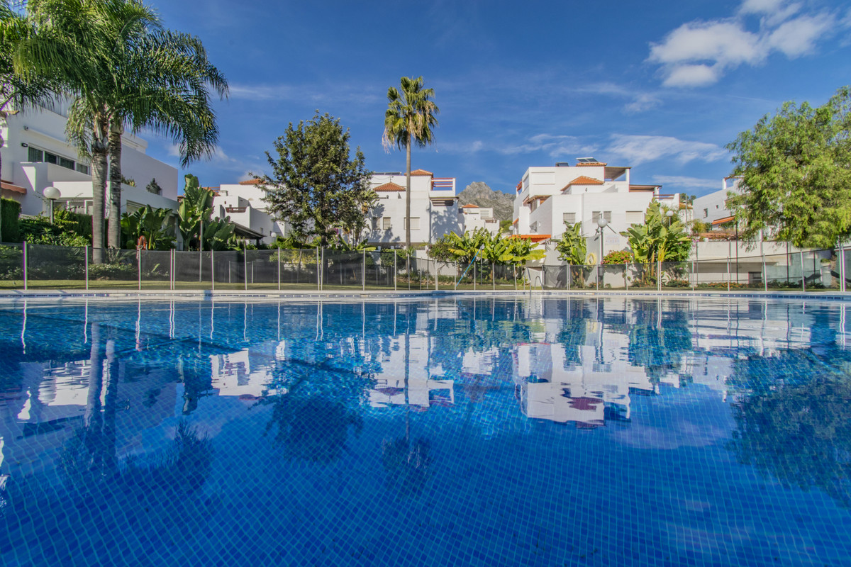 Great semi-detached house located in the area of Nagueles (Marbella), very well communicated through,Spain