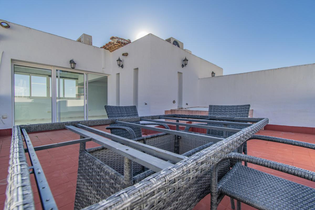 Villa con 5 Dormitorios en Venta Nagüeles
