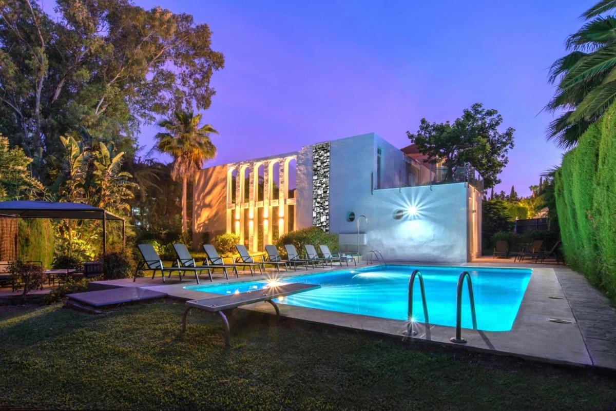 7 bedroom villa for sale nueva andalucia