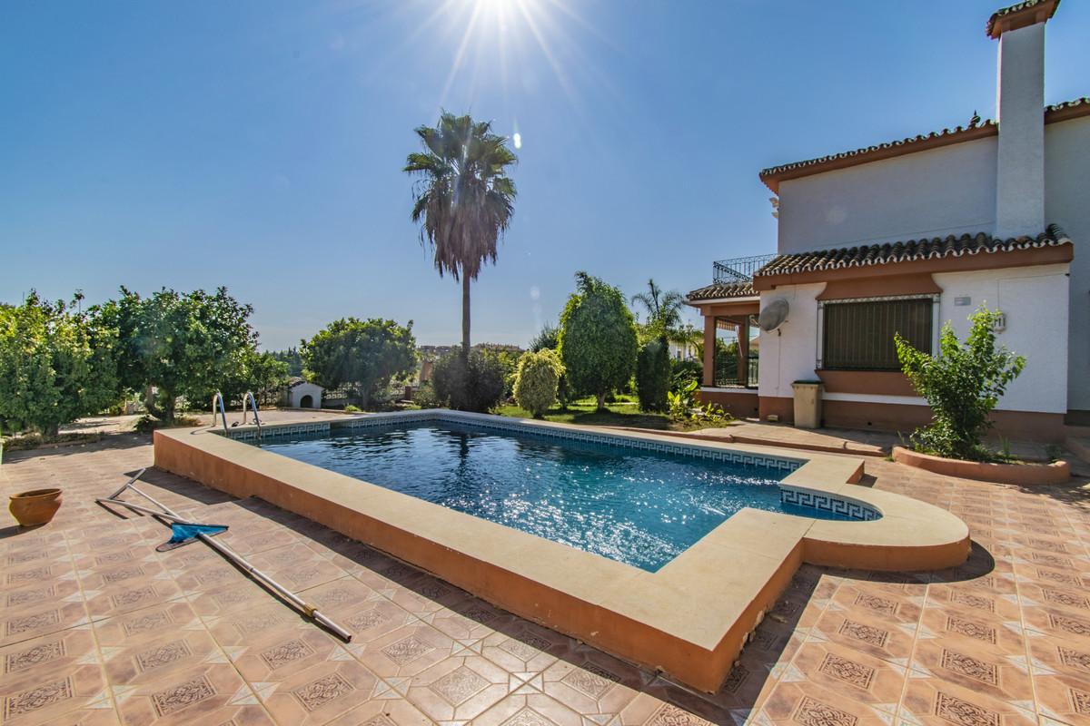 Fristående villa i Elviria R3499249