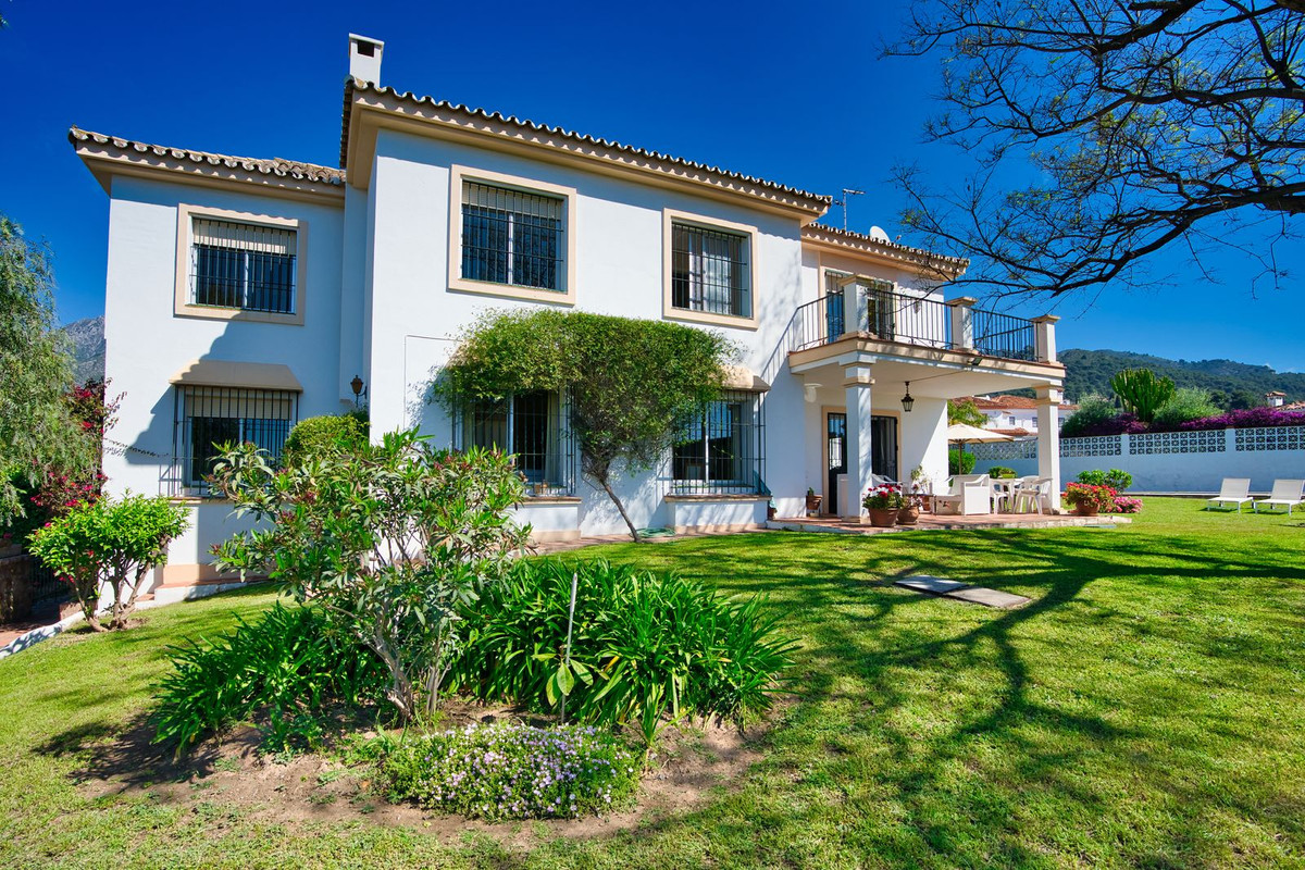 Villa Til salgs i Marbella R3364990