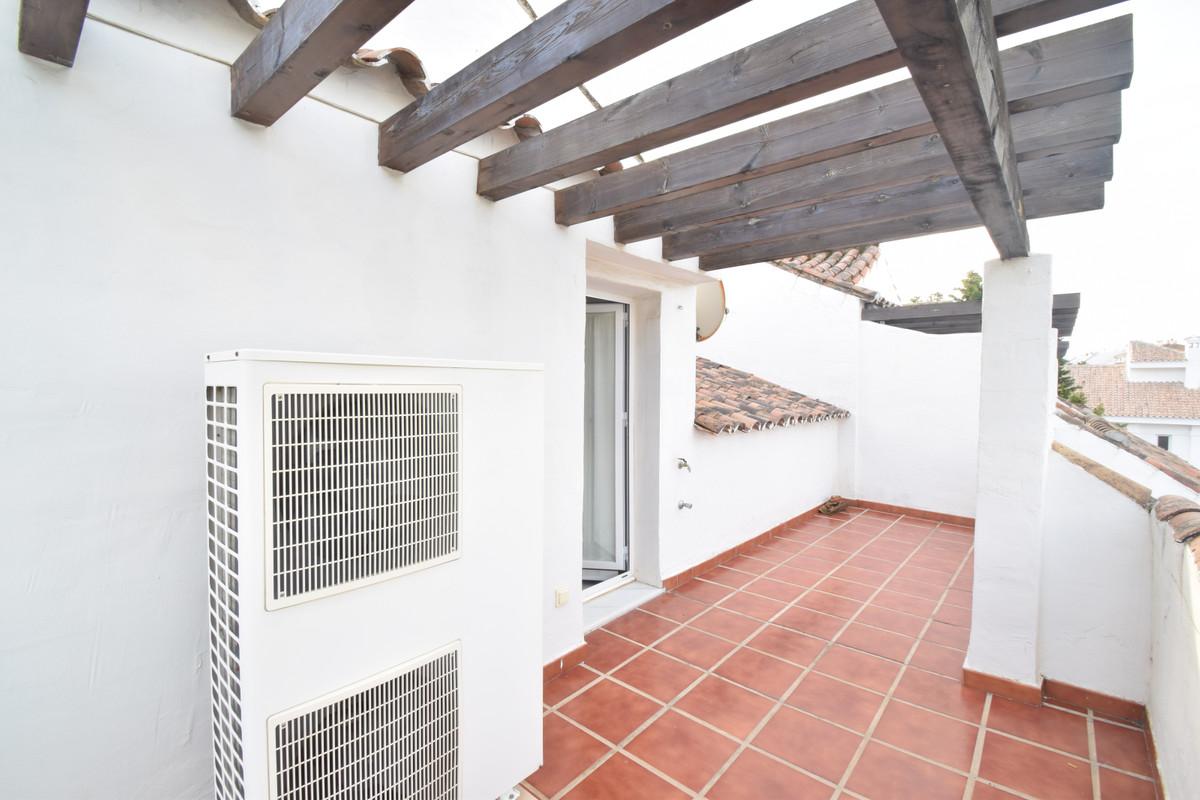 Townhouse Terraced in Nueva Andalucía, Costa del Sol