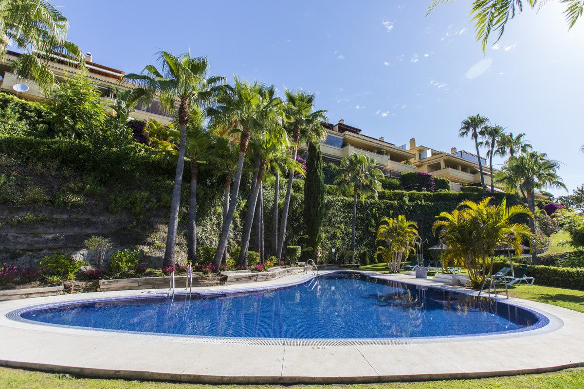 LUXURY OPPORTUNITY WITH SEA VIEWS IN THE BEST AREA OF MARBELLA Elegant property, located in the excl,Spain