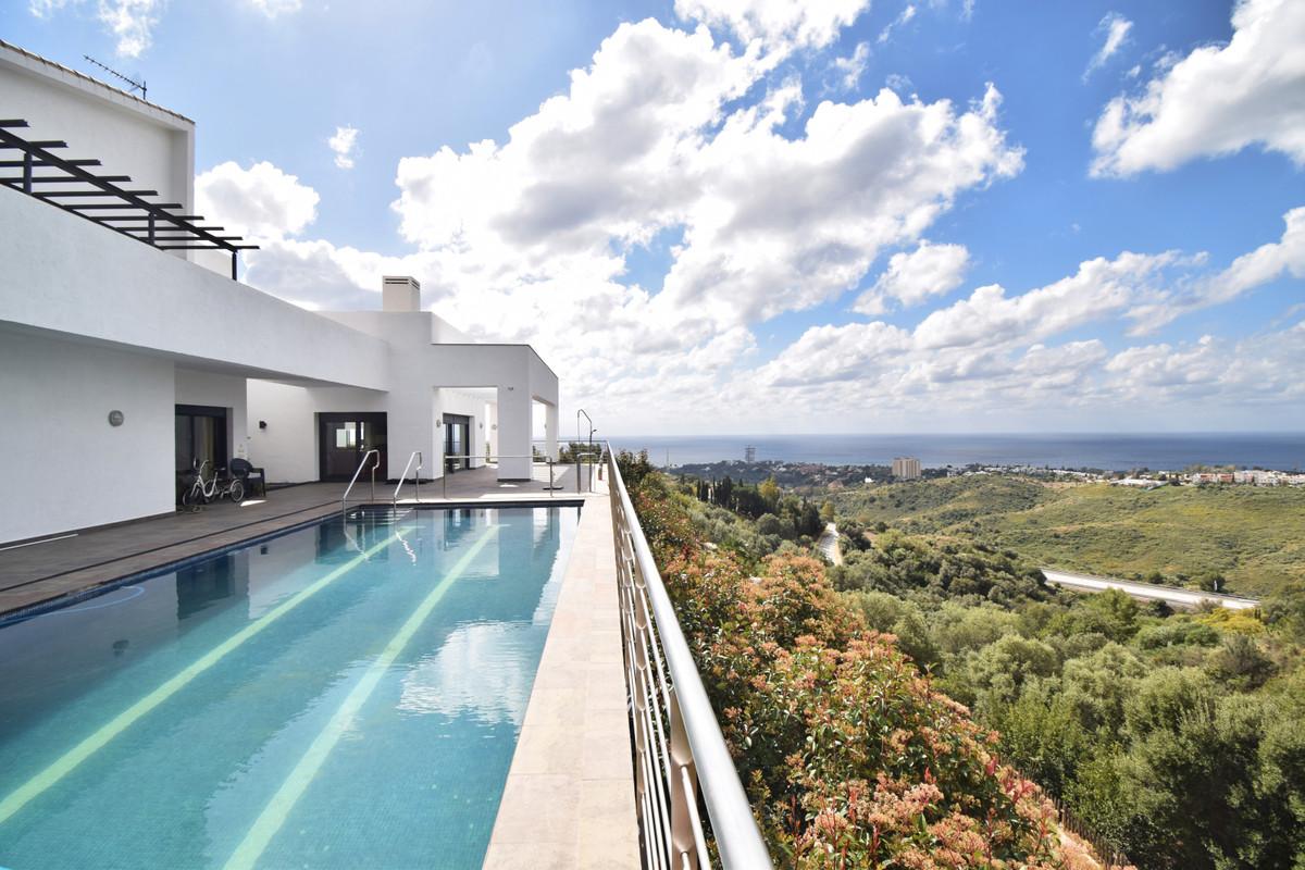 Villa in Altos de los Monteros