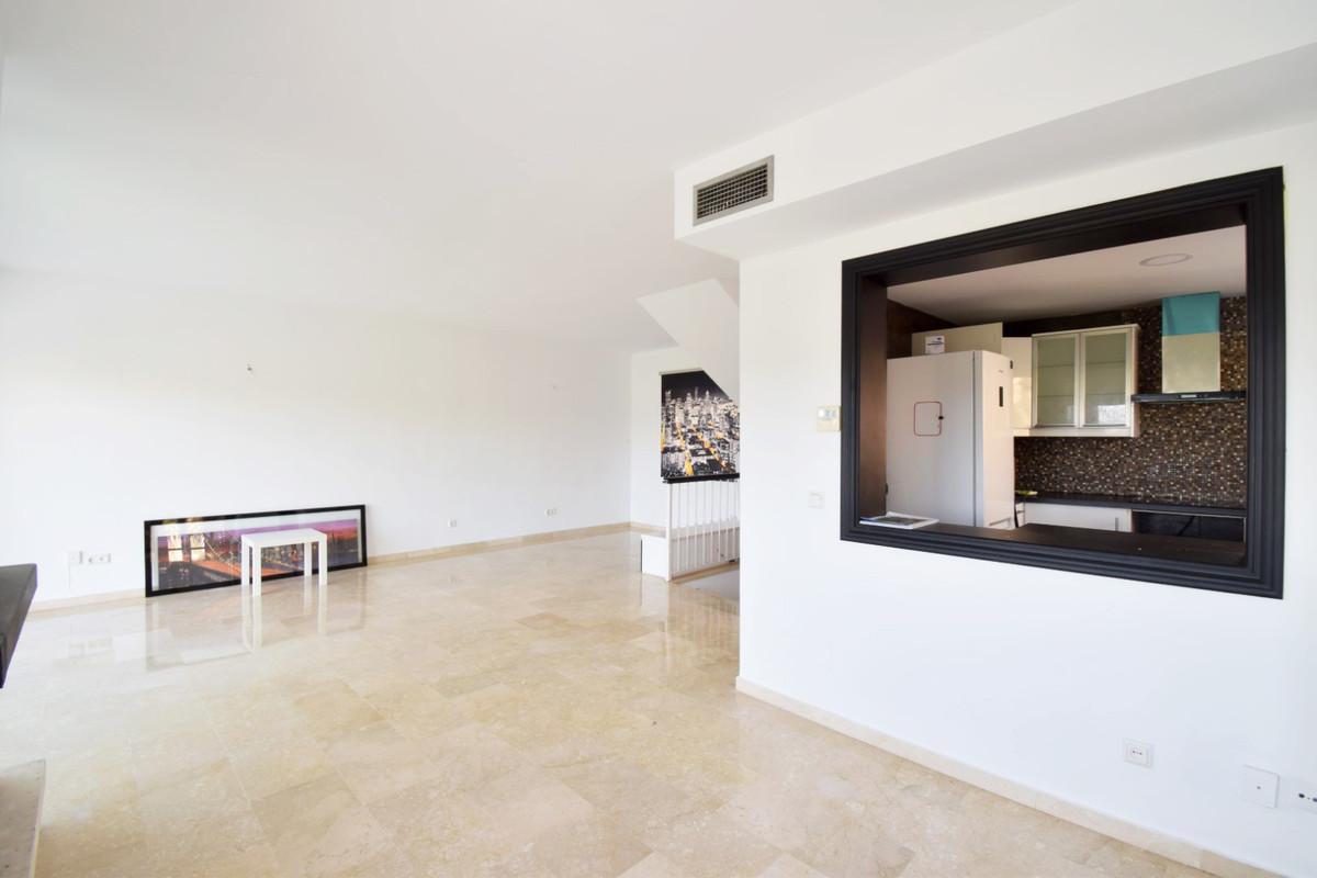 3 Bedroom Semi Detached Townhouse For Sale Nueva Andalucía