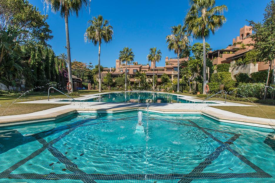 Lägenhet på mellanplan i Guadalmina Baja R3178834