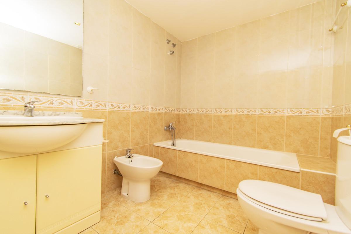 Apartamento con 3 Dormitorios en Venta Guadalmina Alta