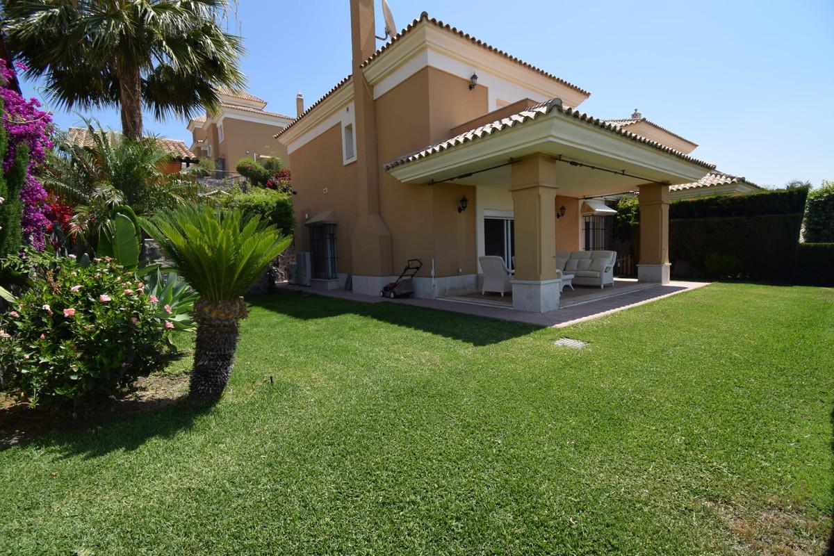 Villa 4 Dormitorios en Venta Santa Clara