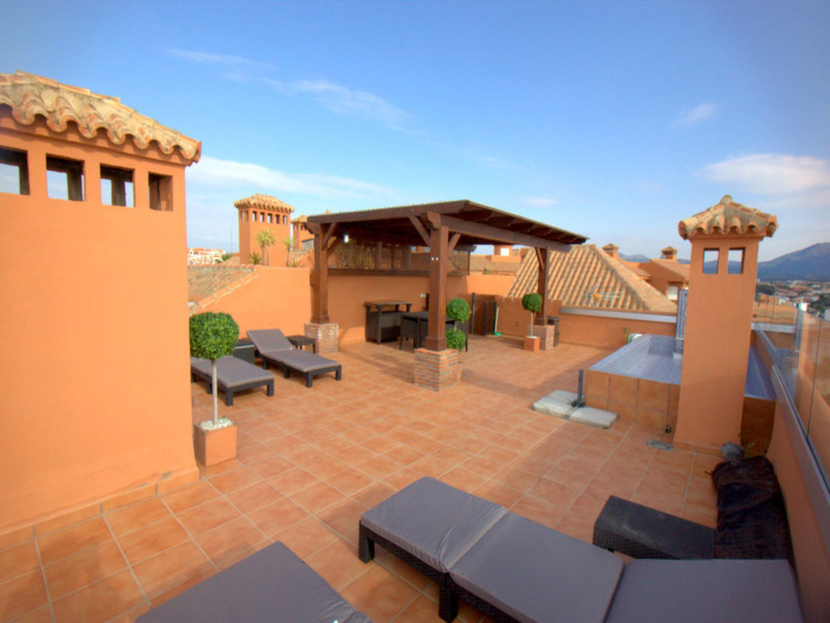 ***Exceptional Roof Terrace with Splash Pool*** Bellavista Princesa Kristina urbanisation is situate,Spain