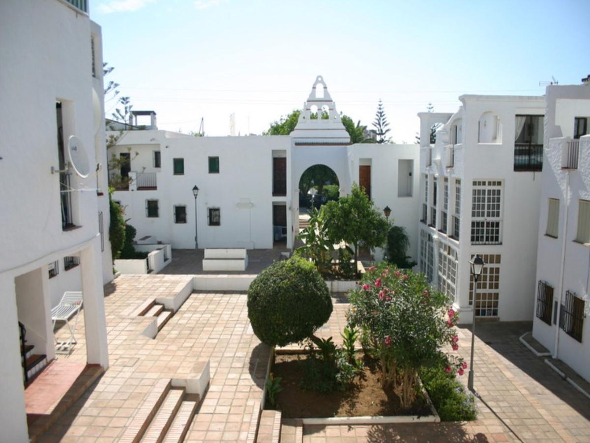 1 Bedroom Penthouse For Sale La Duquesa, Costa del Sol - HP3740227