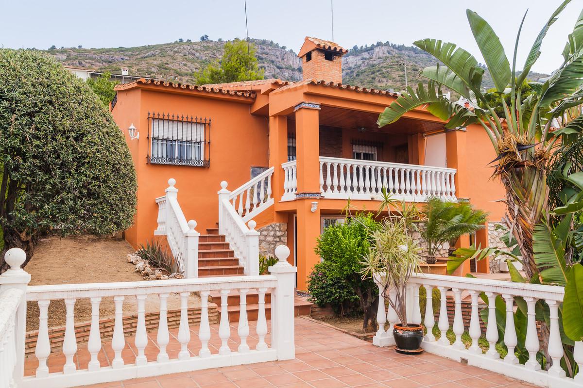 Beatiful Villa in the one of the best areas of Alhaurin de la Torre, in a very quiet neighbourhood c,Spain